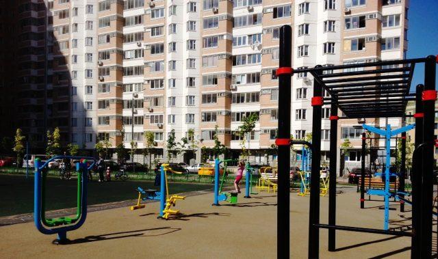 Фото детских площадок в Новой Москве град Московский весна 2018