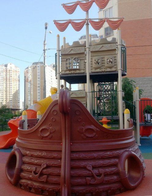 Фото детских площадок в Новой Москве град Московский весна 20180526